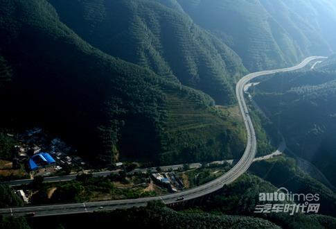 云南省高速公路通车里程达2746公里