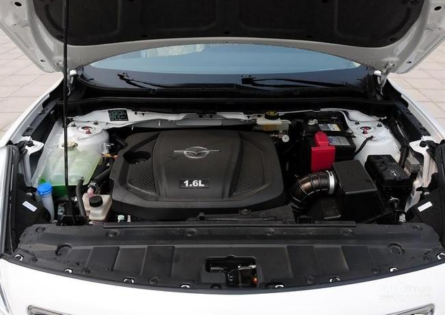 其它车型均装配有自动空调系统