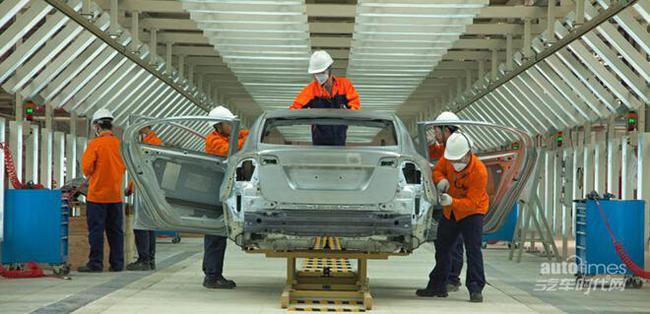 活动期间,沃尔沃成都工厂将为前去参观的车主家庭开放冲压高清图片