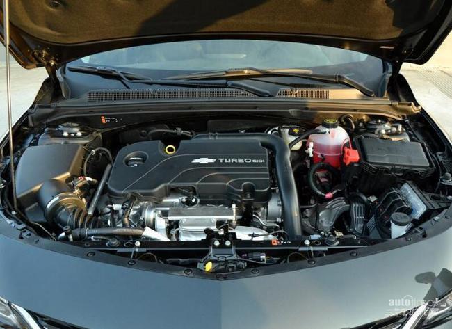 动力系统,迈锐宝XL采用了1.5T和2.5L两款发动机,其中1.5T发动机最大功率170马力,2.5L发动机最大功率200马力,两款发动机的最大扭矩都为252牛·米。传动系统,1.5T车型采用7速双离合变速器,2.5L车型采用6速手自一体变速器。此外,迈锐宝XL采用了前麦弗逊后四连杆的悬架结构。 VIP贵宾销售热线:13691143975 刘志伟 全国销售咨询热线:010-57148362 乘车来店路线 : 北京南站:乘坐地铁4号线北京南站到宣武门换乘地铁2号线到崇文门换乘地铁5号线天